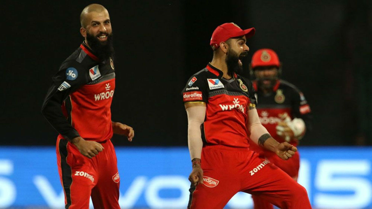 Soon after Agarwal's wicket, Moeen Ali ended KL Rahul's stay in the middle as the Punjab opener was caught by Tim Southee. Rahul made a brisk 42 off 27 balls as KXIP were 105/3.