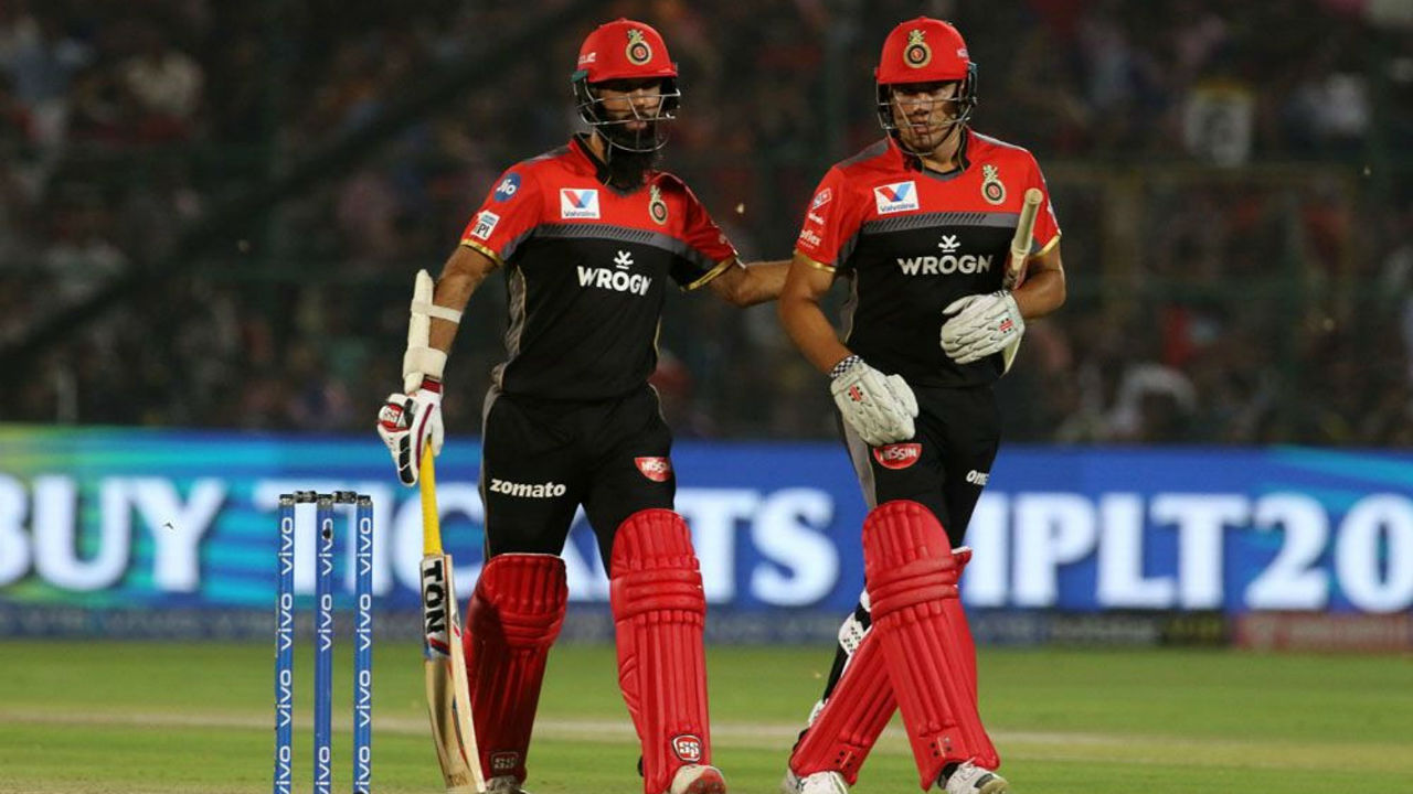 Moeen Ali and Marcus Stoinis provided late flourish to RCB innings as the team finished on 158/4. MOeen was unbeaten on 13 while Stoinis made 31.