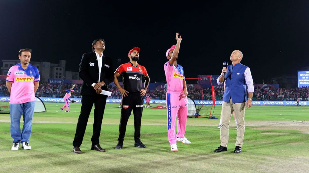 For match 14 of IPL 2019 Rajasthan Royals welcomed Royal Challengers Bangalore at their home ground of Sawai Maan Singh Stadium. RR Skipper Ajinkya Rahane won the toss and opted to bowl first.