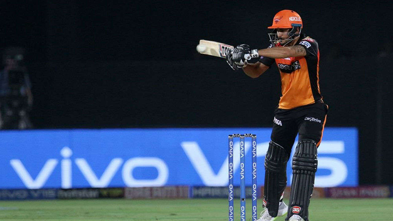 With Williamson gone and Warner taking time to settle in, Manish Pandey took the initiative of scoring quick runs.
