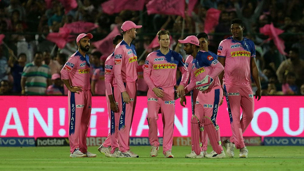 The men in Pink got more reasons to rejoice as SRH suffered a collapse towards the end of its innings. SRH went from 125/4 to 137/7 as Deepak Hooda, Wriddhiman Saha and Shakib Al Hasan got out in quick succession.