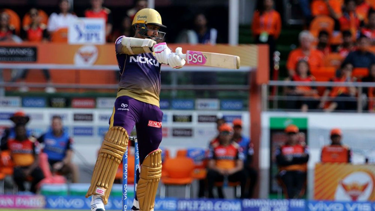 KKR openers Sunil Narine and Chris Lynn gave their side a rollicking start as the two blasted 42 runs inside first 3 overs.