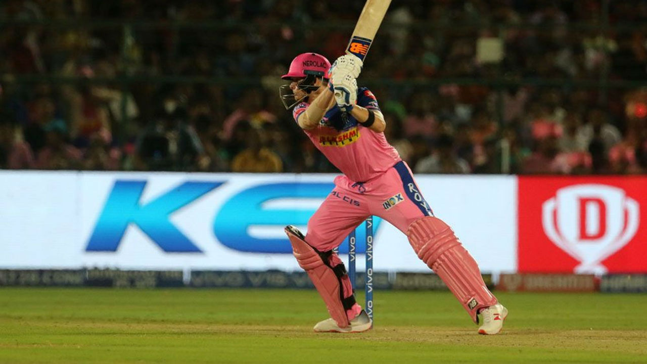 Steve Smith played a steady knock of 38 off 31 balls to put his side in command. He was dismissed in the 19th over by Mohammed Siraj at the score of 154/3.