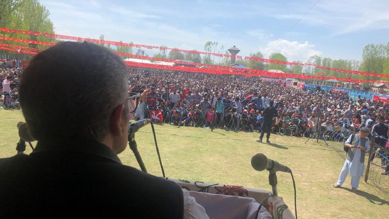 Jammu and Kashmir National Conference (JKNC) chief Omar Abdullah during a gathering at Naikhai, Sonawari in J&K. (Image: Twitter)