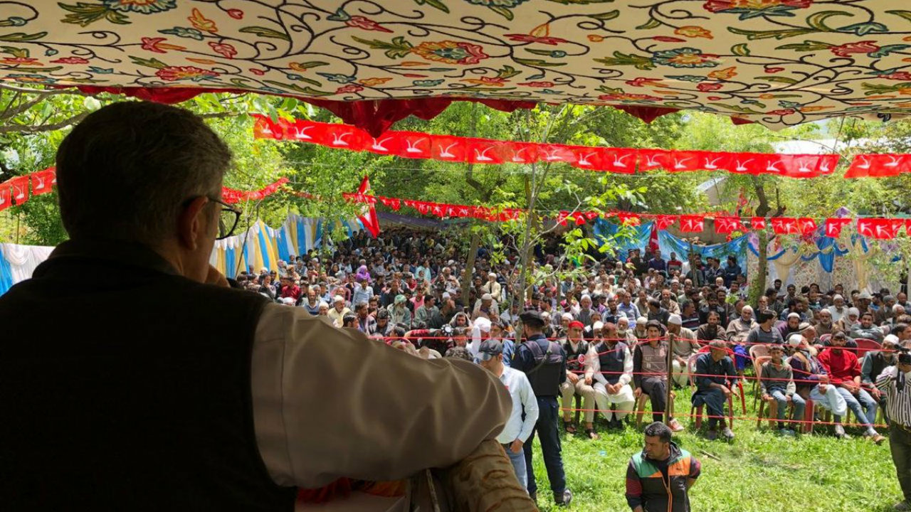Jammu and Kashmir National Conference (JKNC) chief Omar Abdullah during a rally in Kund valley, J&K. (Image: JKNC/Twitter)