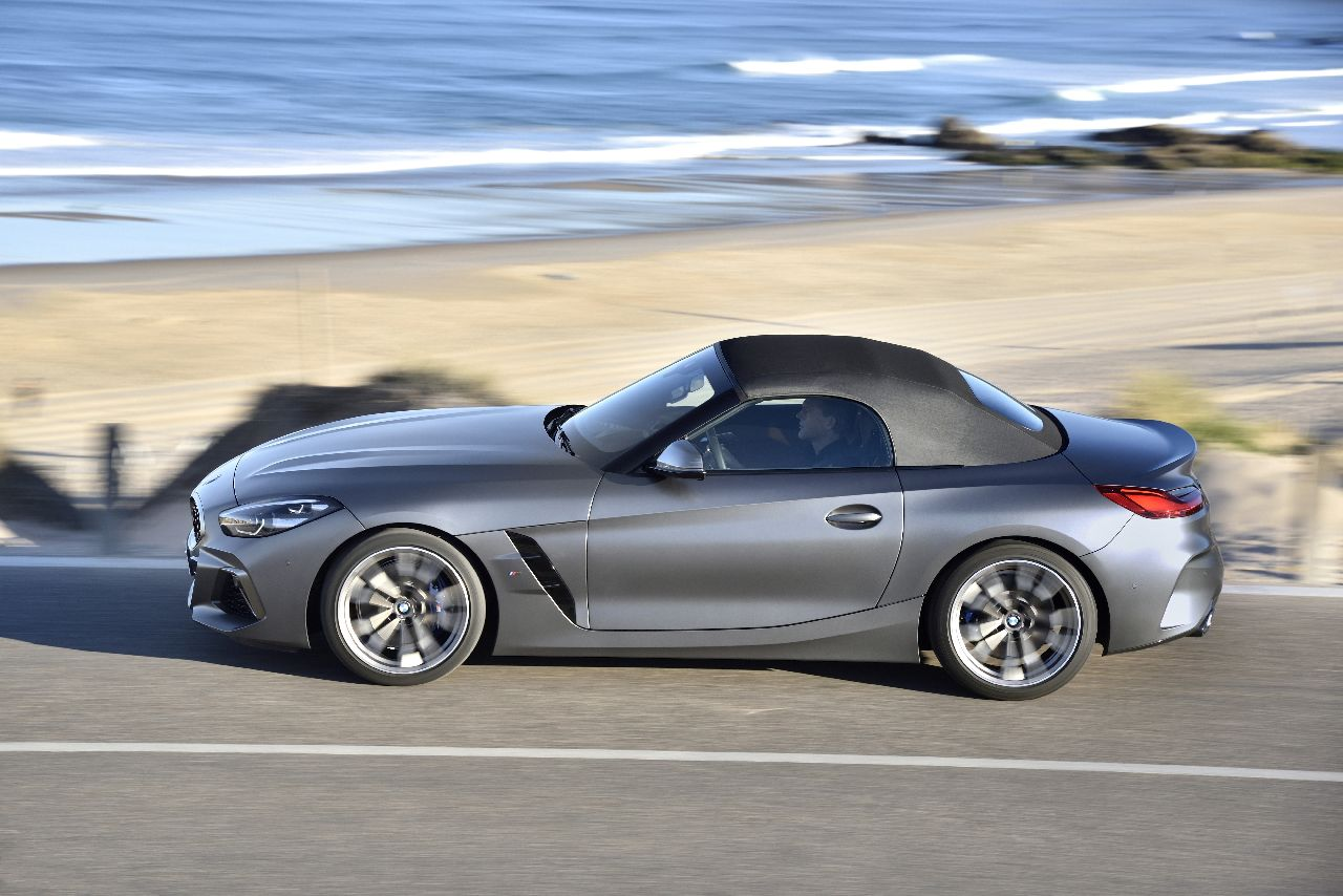 P90328336_highRes_the-new-bmw-z4-m40i-