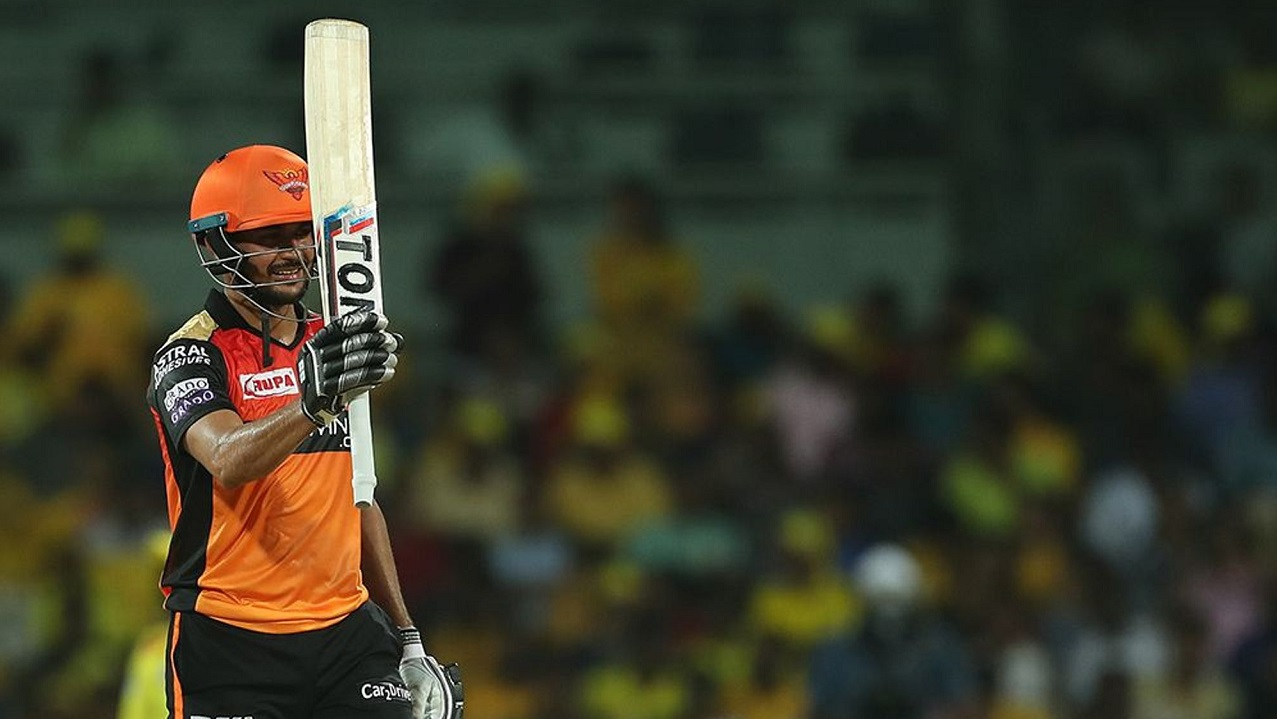 Manish Pandey completed his fifty in the 11th over.