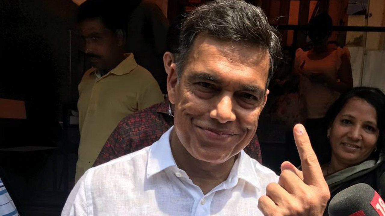 Chairman and MD of JSW Group, Sajjan Jindal, after casting his vote in Mumbai. (Image: CNBC-TV18/Twitter). Disclaimer: Reliance Industries Ltd is the sole beneficiary of Independent Media Trust which controls Network18 Media & Investments Ltd.