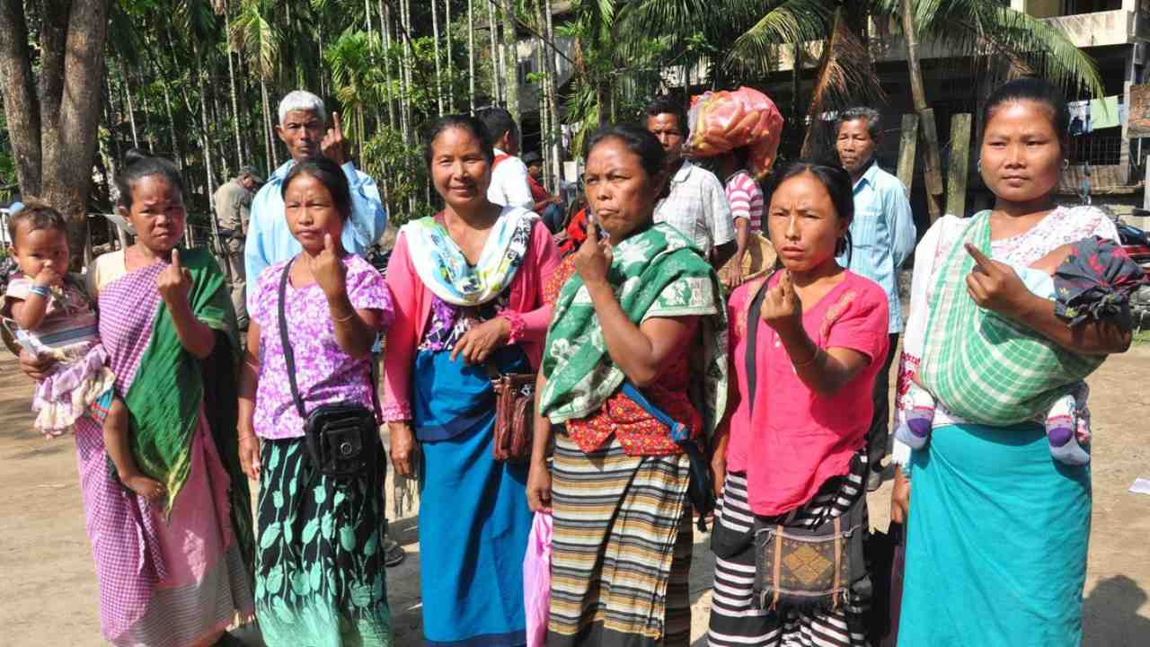 Tribal voters cast their vote at Umtyrnga, Ri-Bohi district in Meghalaya. (Image: Twitter/ @SpokespersonECI)