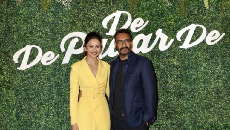 Ajay Devgn's De De Pyaar De among 10 Bollywood films featuring 'older  man-young woman' romance