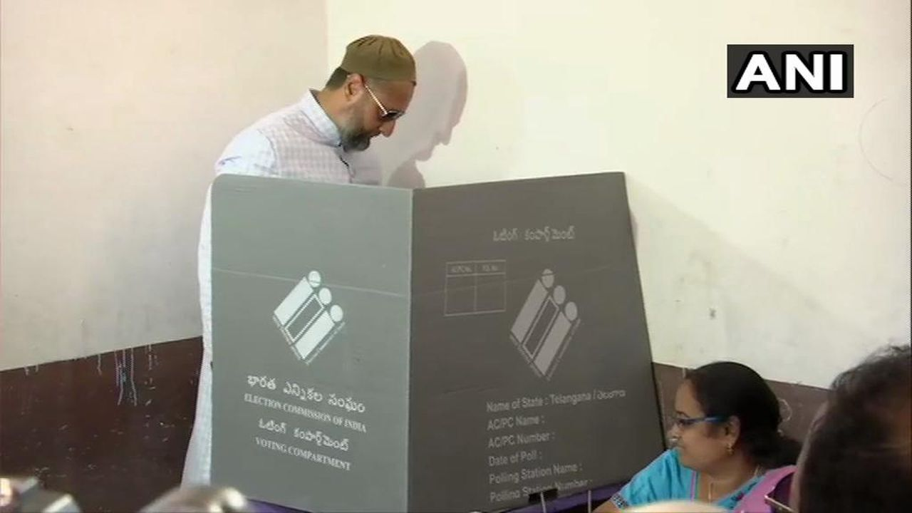 AIMIM Chief and Hyderabad MP candidate Asaduddin Owaisi cast his vote at a polling booth in the city. He is a three-time sitting MP from the constituency. (Image: Twitter/@ANI)