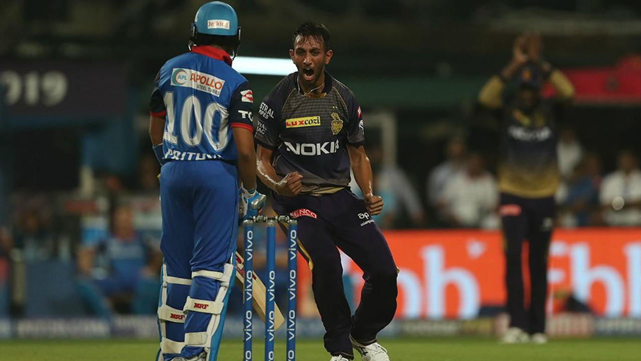 Prasidh Krishna got KKR off to a great start as he got Prithvi Shaw caught behind in just the 3rd over. Shaw returned with just 14 off 7 balls. (Image: BCCI, iplt20.com)