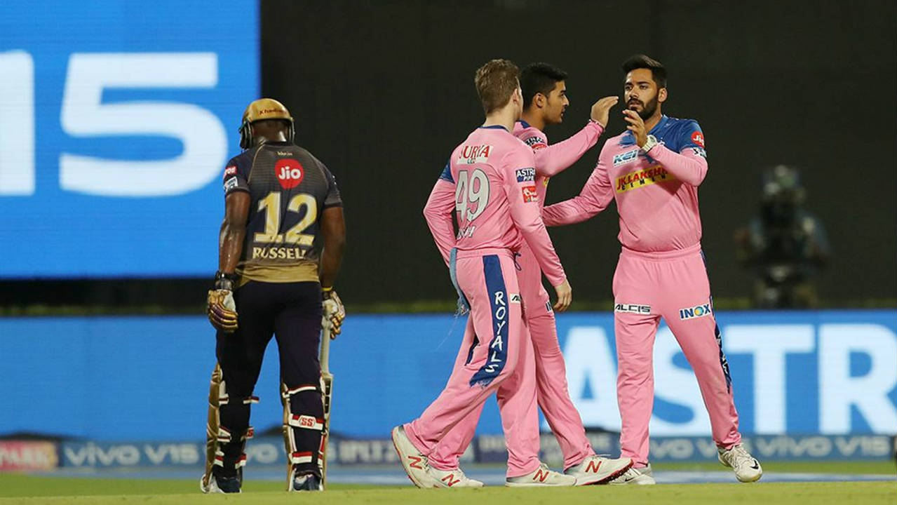 Andre Russell failed to make an impact scoring just 14 before fellow West Indian Oshane Thomas got him caught out in the 17th over. Carlos Brathwaite followed Russell to the dugout in the next over as Unadkat got him caught out. (Image: BCCI, iplt20.com)