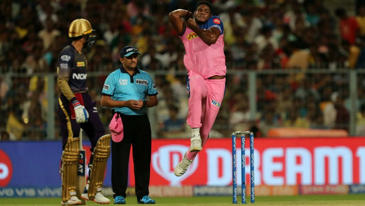 Kolkata Knight Riders (KKR) welcomed the Rajasthan Royals (RR) for match 43 of the 2019 Indian Premier League (IPL). RR brought back Varun Aaron while also handing Oshane Thomas an IPL debut. KKR recalled Prasidh Krishna and Carlos Brathwaite to the playing XI. Rajasthan won the Toss and opted to bowl. (Image: BCCI, iplt20.com)