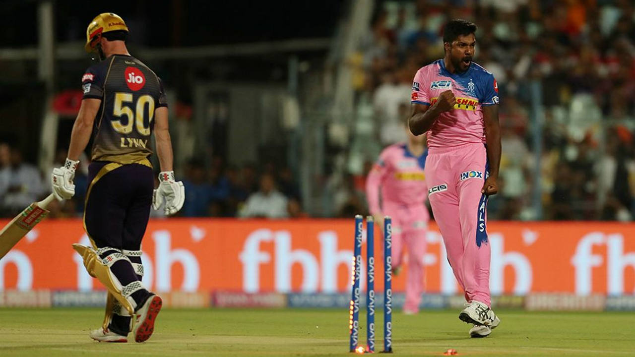 Aaron made immediate impact starting with a wicket-maiden where he got rid of Chris Lynn. He then returned to dismiss Shubman Gill in the 5th over. Both batsmen were bowled with brilliant deliveries from Aaron, reducing KKR to 31/2. (Image: BCCI, iplt20.com)