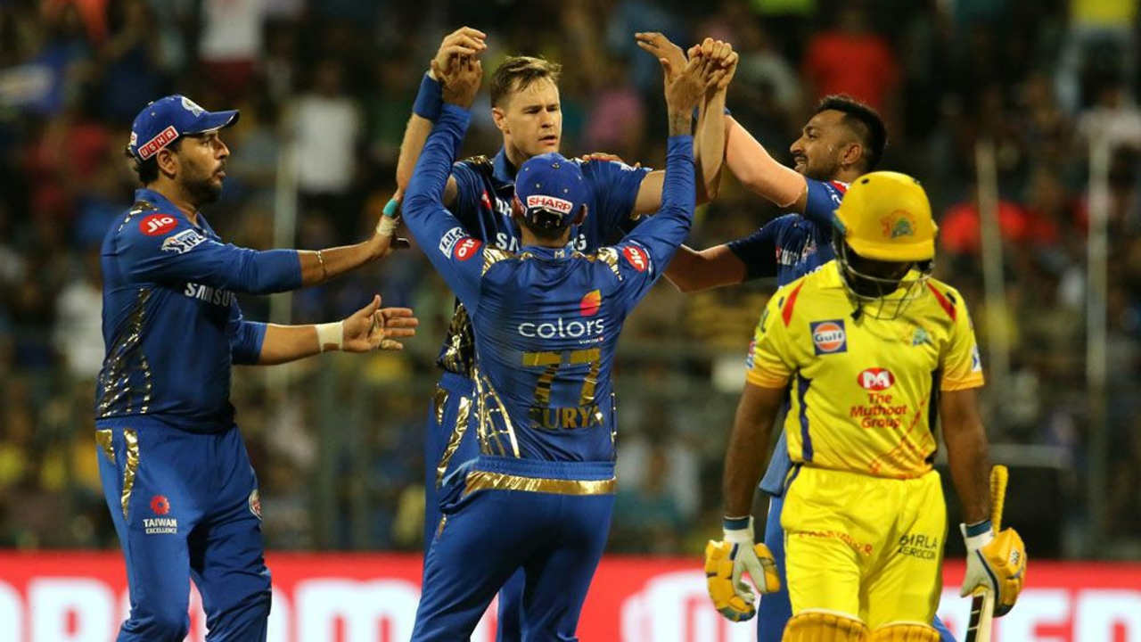 Jason Behrendorff got Mumbai off to a great start as he sent back Ambati Rayudu for a duck in the very first over. Lasith Malinga followed that up by getting Shane Watson caught out at point in the very next over to reduce CSK to 6/2. (BCCI, iplt20.com)