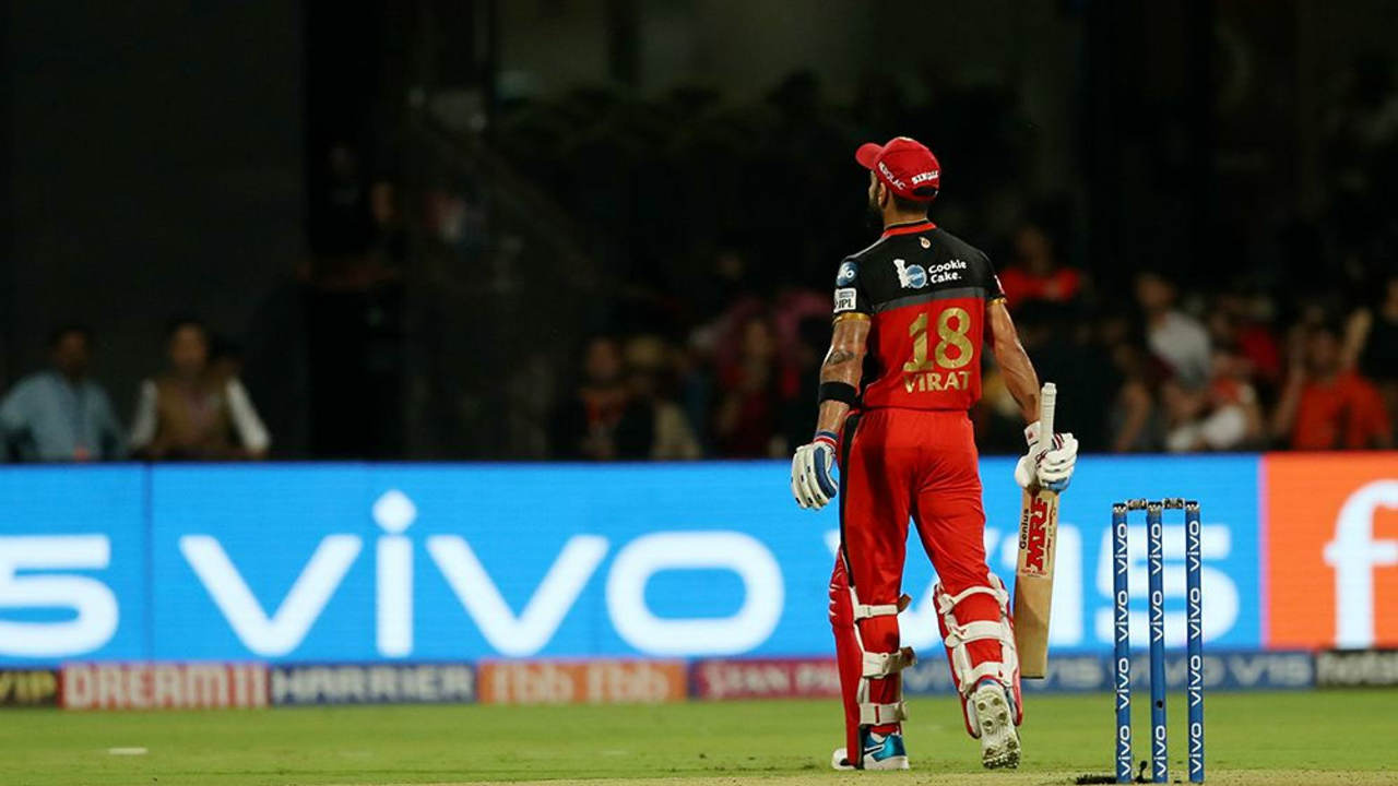 The partnership finally ended in the 18th over when Kuldeep Yadav showed great reflexes to take a sharp catch off his own bowling. Kohli smacked the ball hard down the ground and Kuldeep managed to hold onto it bringing an end to a wonderful innings from the RCB skipper. Kohli returned with 84 off 49 balls as RCB were well-placed at 172/2. (Image: BCCI, iplt20.com)