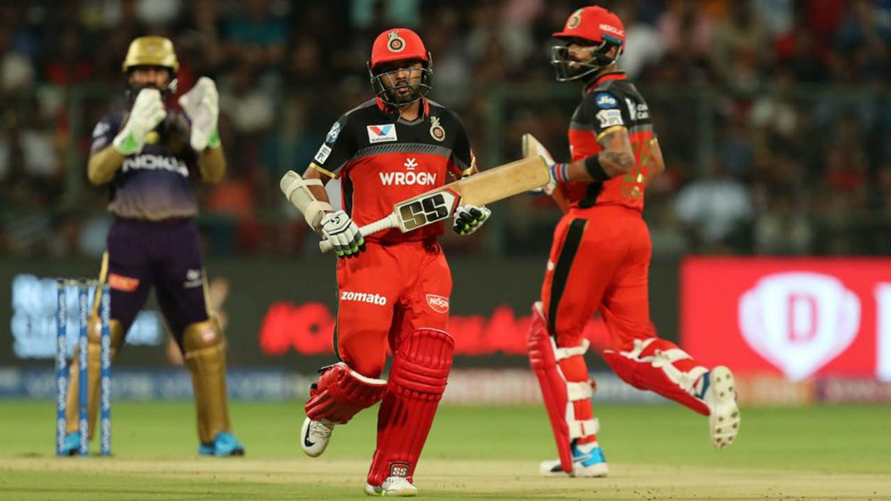 RCB got off to a flying start with a 64-run partnership off just 47 balls between Virat Kohli and Parthiv Patel. The partnership ended in the 8th over when Nitish Rana trapped Parthiv in front of the wickets. Parthiv returned with 24 off 24 balls. (Image: BCCI, iplt20.com)