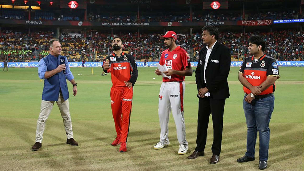 Royal Challengers Bangalore (RCB) hosted the Kings XI Punjab (KXIP) for match 42 of the Indian Premier League (IPL). Ravichandran Ashwin won the Toss and opted to bowl. Virat Kohli and Parthiv Patel got off to a quick start adding 35 runs from the first 21 balls. (Image: BCCI, iplt20.com)