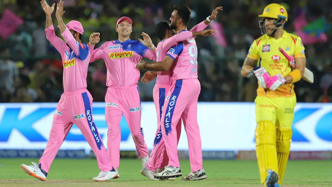Things got worse for Chennai as Unadkat got Faf du Plessis caught out in the 4th over. Stokes then flew to his left and took a brilliant catch-of-the-season contender at backward point to dismiss Kedar Jadhav off Archer's bowling in the 6th over. Chennai were reeling at 24/4 when Kedar walked back. (Image: BCCI, iplt20.com)