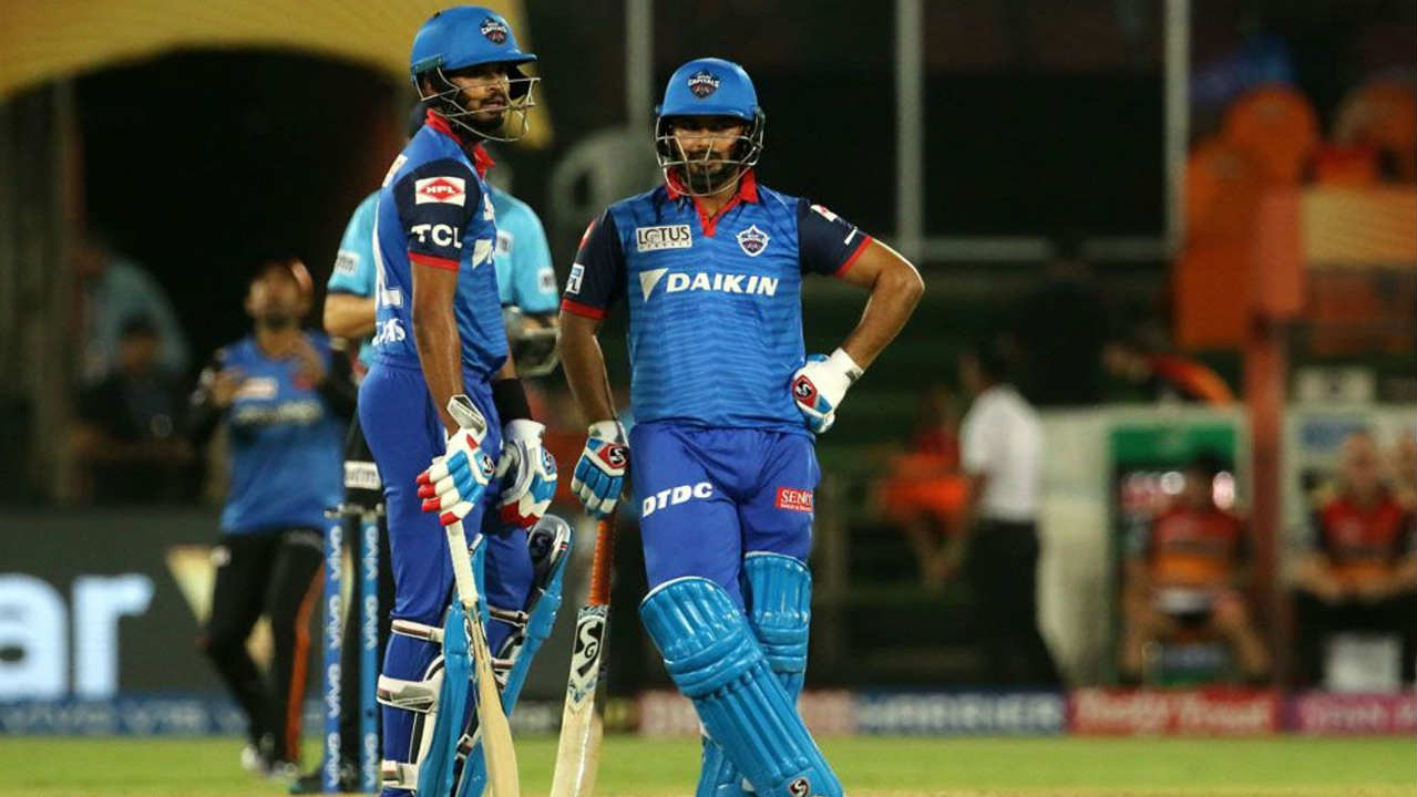 Shreyas Iyer and Rishabh Pant then stitched together a 56-run partnership to steady the innings. (Image: BCCI, iplt20.com)
