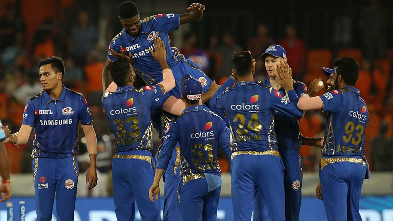Jasprit Bumrah sent back Nabi in the next over and Alzarri returned to bowl the 19th over where he got rid of both Bhuvneshwar Kumar and Siddarth Kaul to finish with figures of 3.4-1-12-6. Alzarri broke the 12-year-old IPL bowling record for best bowling figures with his 6/12. Sohail Tanvir set the record in the inaugural year of the IPL when he recorded 6/14 against CSK.  (BCCI, iplt20.com)