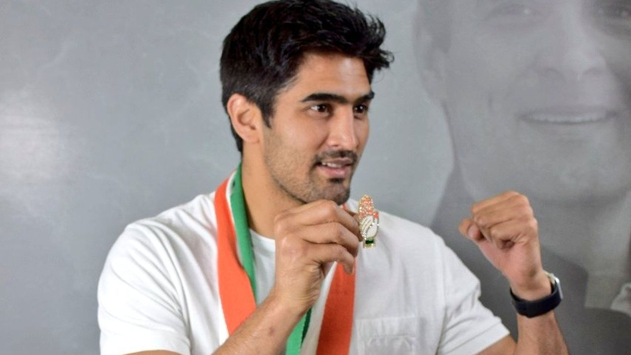 Vijender Singh Beniwal | Profession - Athlete/Boxer | Vijender Singh joined the Indian National Congress (INC) on April 22, 2019. He is fielded from South Delhi Lok Sabha seat. (Image: Twitter/@IYC)