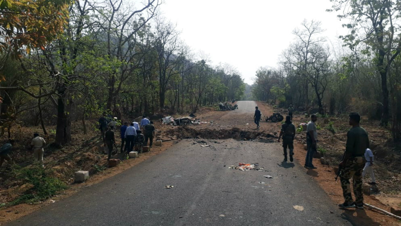 DGP, IG, SP Gadchiroli, Collector Gadchiroli, and anti-Naxal operation officials reach Gadchiroli Naxal attack site on May 2, where 15 security personnel and 1 driver lost their lives on May 1. (Image: ANI)