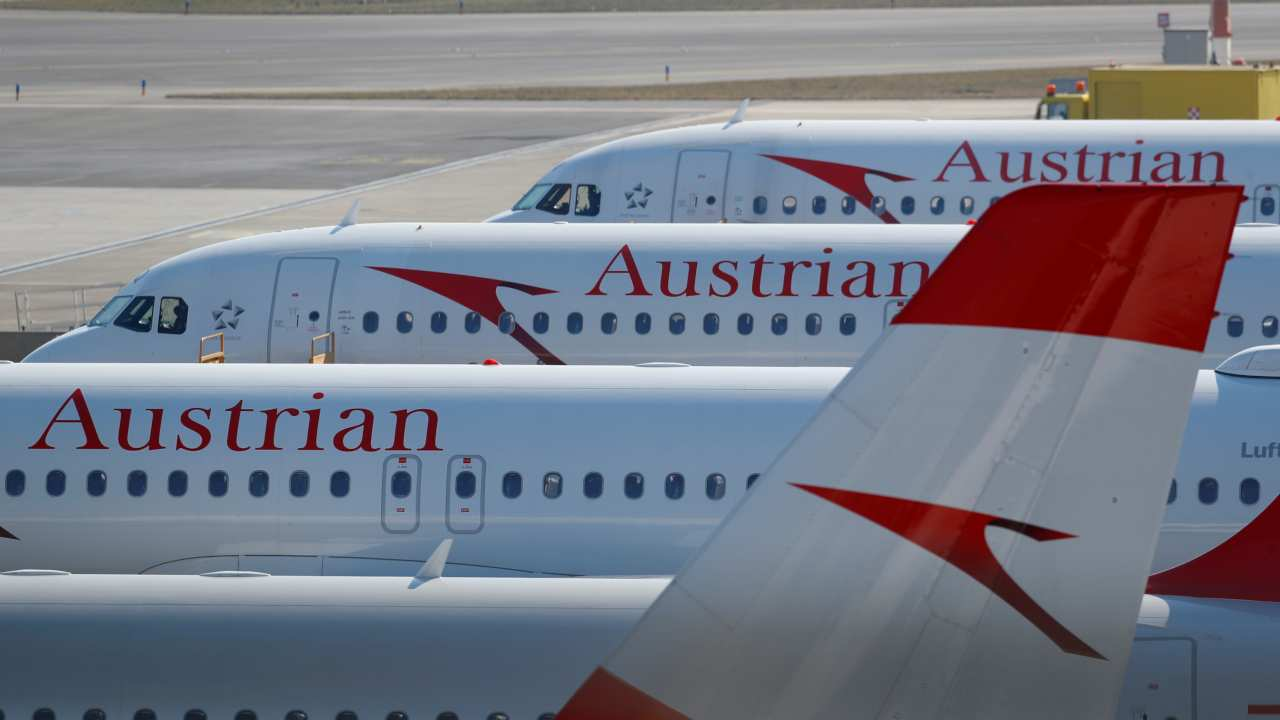 Austrian Airlines | Speedy claims processing and high service quality got this airline the ninth place in this list. Austrian Airlines is a subsidiary of the Lufthansa Group and is headquartered in Vienna. (Image: Reuters)