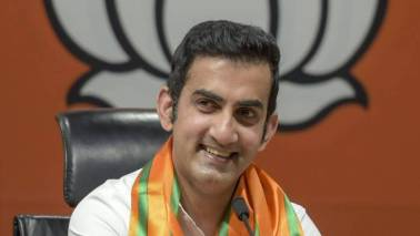 Hope Gambhir meets people on dusty roads, not cheat them by using duplicate: AAP