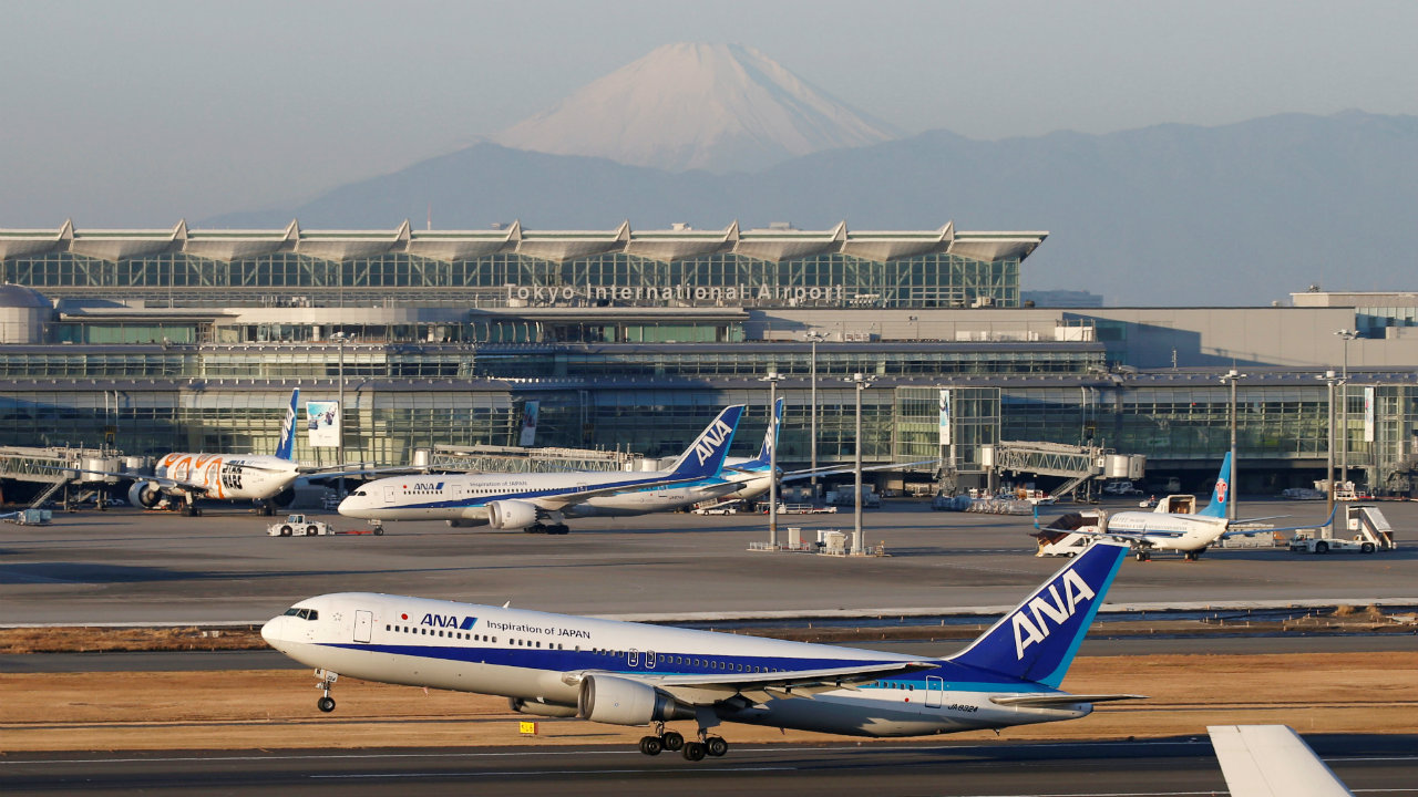 2. Tokyo International Airport, Tokyo – Japan: It is one of the two primary airports that serve the Greater Tokyo Area. Besides being the busiest airport in the country, it serves as the primary base for two of Japan's major airlines -- Japan Airlines (JAL) and All Nippon Airways (ANA). (Image: Reuters)