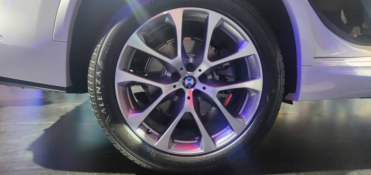 The X5 SUV also received updated alloy wheels. (Image: Moneycontrol)