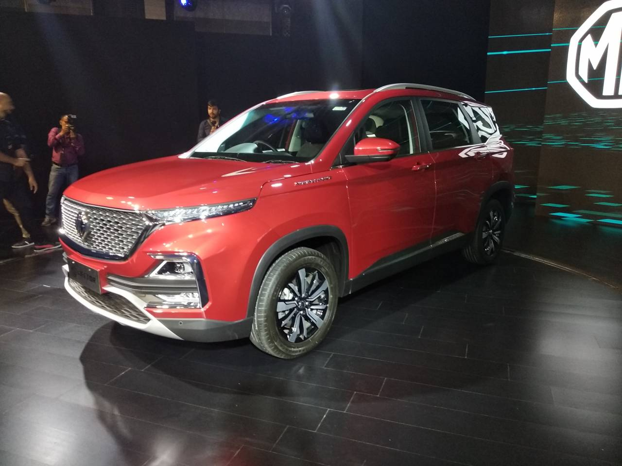 The diesel unit is bought from Fiat Chrysler Automobiles India. The same engine, 2 litre, 170hp, is seen on the Jeep Compass mated to a six speed manual transmission. Mileage is expected to be 17-18 kmpl. Pic courtesy: Moneycontrol