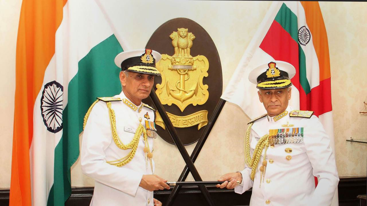 Chief of Naval Staff, Admiral Karambir Singh being handed over the baton by the outgoing Chief of Naval Staff, Admiral Sunil Lanba, in New Delhi. (Image: PTI)