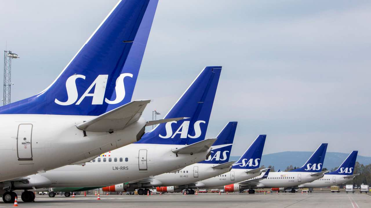 Scandinavian Airlines | Commonly known SAS, this airline is the flag carrier of Sweden, Norway and Denmark. It is on the fourth spot in this list, due to speedy claims processing and timely operations. (Image: Reuters)