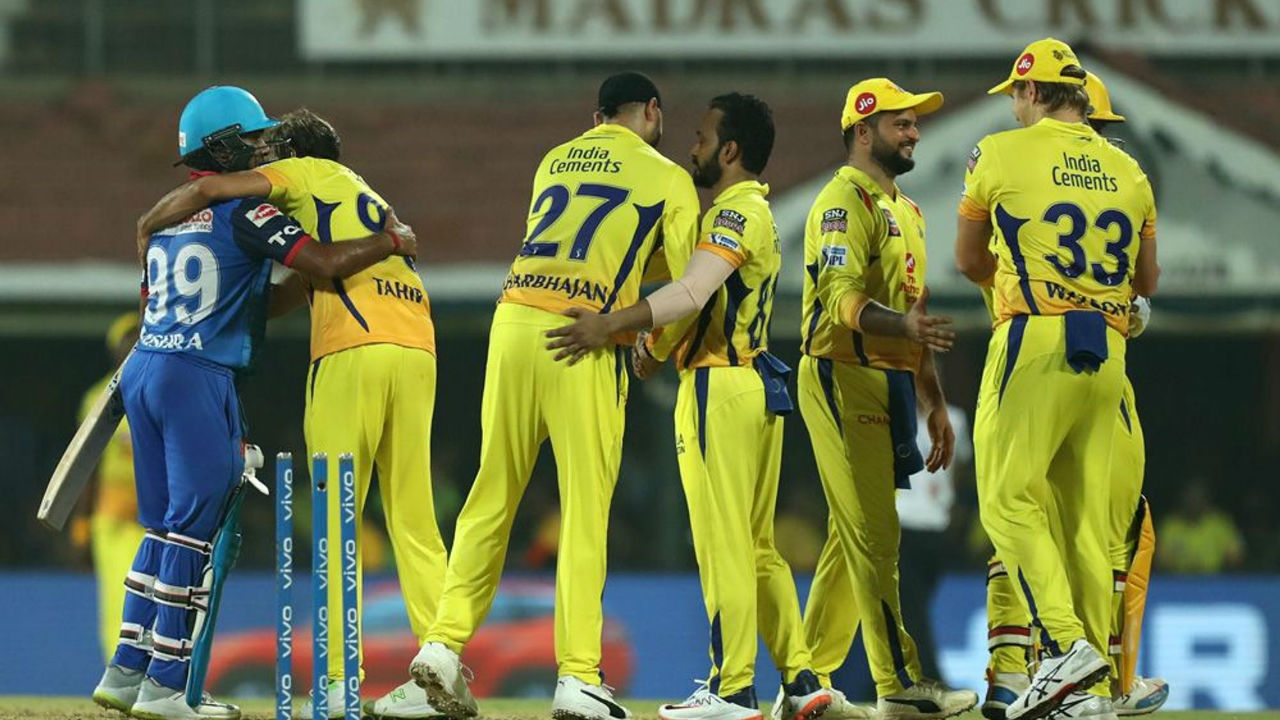 In the end DC were all-out on mere 99 in 16. 2 overs as the men in Yellow recorded a thumping win of 40 runs to go at the top of the table.