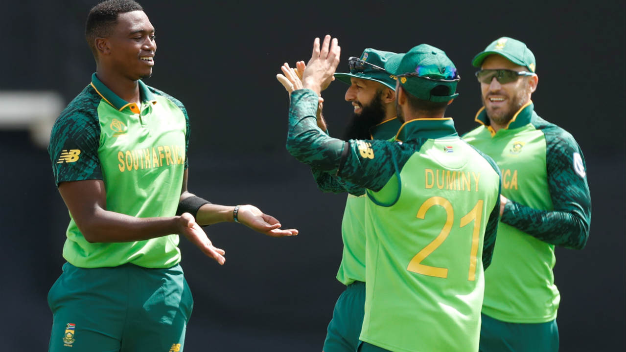 Moeen Ali could only add 3 runs to the total before Ngidi sent him back in the 44th over. Rabada then dismissed Chris Woakes in the 48th over reducing England to 285/7. (Image: Reuters)