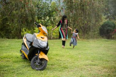 Everything you should know about Ampere Vehicles' high speed e-scooter Zeal