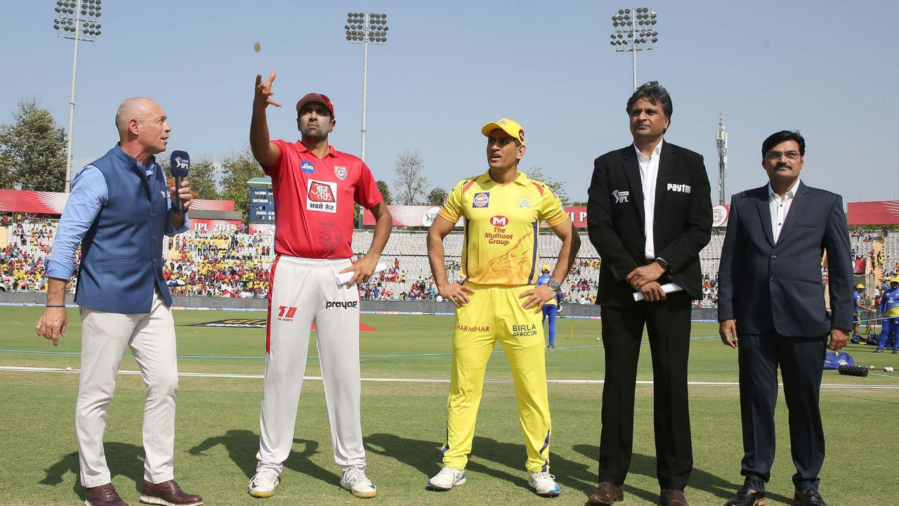For match 55 of Indian Premier League 2019, Kings XI Punjab welcomed Chennai Super Kings on their home ground of Punjab Cricket Association IS Bindra Stadium in Mohali. Kings XI Punjab the toss and elected to bowl. The Super Kings played an unchanged side. KXIP made one change, bringing in Harpreet Brar in place of Arshdeep Singh.
