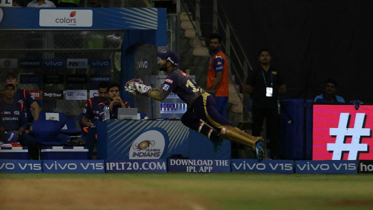 MI got off to a great start with Rohit Sharma and Quinton de Kock stitching together a 46-run opening partnership. KKR finally got a breakthrough in the 7th over when Prasidh Krishna got de Kock to edge a delivery high behind and Karthik covered a lot of ground before putting in a dive to take a good catch. de Kock returned with 30 off 23 balls with MI well-placed at 46/1. Image: BCCI, iplt20.com)
