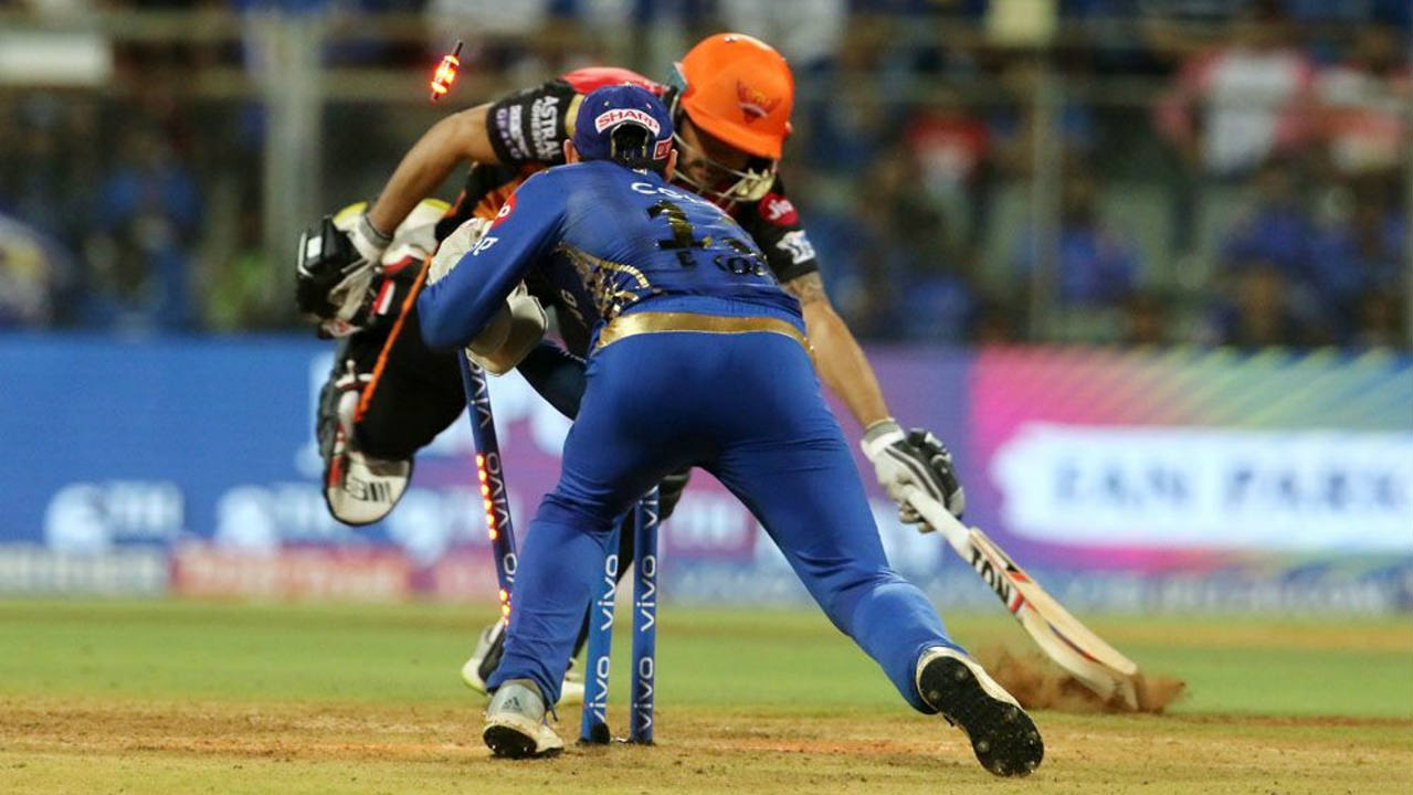 SRH lost Pandey on the very 1st delivery of the Super Over as he was run out trying to take 2 runs. Martin Guptill then took a single before Nabi hit a six off the 3rd ball. However, Bumrah castled Nabi on the 4th delivery leaving Mumbai needing just 9 runs to win. (Image: BCCI, iplt20.com)