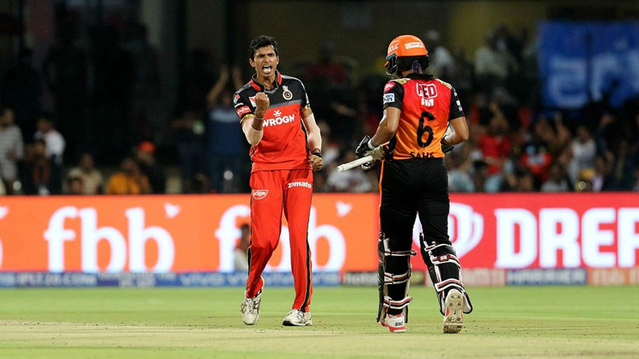 Martin Guptill and Wriddhiman Saha got SRH off to a flying start with a 46-run partnership off just 27 balls. Navdeep Saini finally got the breakthrough when he got Saha caught out in the 5th over. (Image: BCCI, iplt20.com)