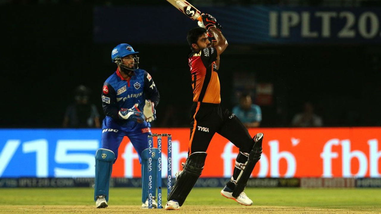 Vijay Shankar then along with Mohammad Nabi accelerated towards the later part of the SRH innings. Shankar made 25 off 11 balls and Nabi scored 20 from 13. Shankar was dismissed by Trent Boult in the 19th over and Nabi was out in the last over of the SRH innings. SRH finished with 162/8.