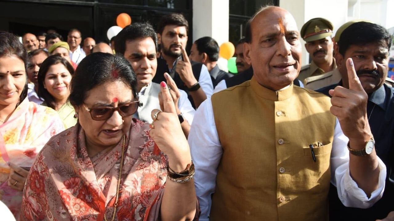 Home Minister and Lucknow BJP Candidate Rajnath Singh cast his vote at polling booth 333 in Scholars' Home School in Uttar Pradesh capital. (Image: Twitter/@rajnathsingh)
