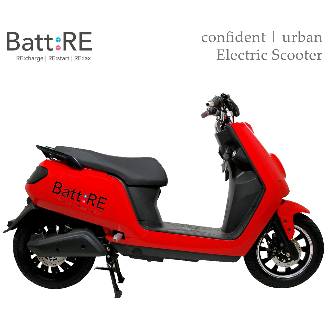 Named after the company itself, the BattRE is an electric scooter which is also the namesake of its parent company. The scooter is powered by a 250W BLDC motor which gives it a top speed of 25 km/h. It has a range of 90 km due to a 48V 30Ah lithium-ion battery, weighing 12 kg. That, coupled with all accessories, gives the BattRE a kerb weight of just 74 kg. This makes it one of the lightest electric scooters in India. (Image source: BattRE)
