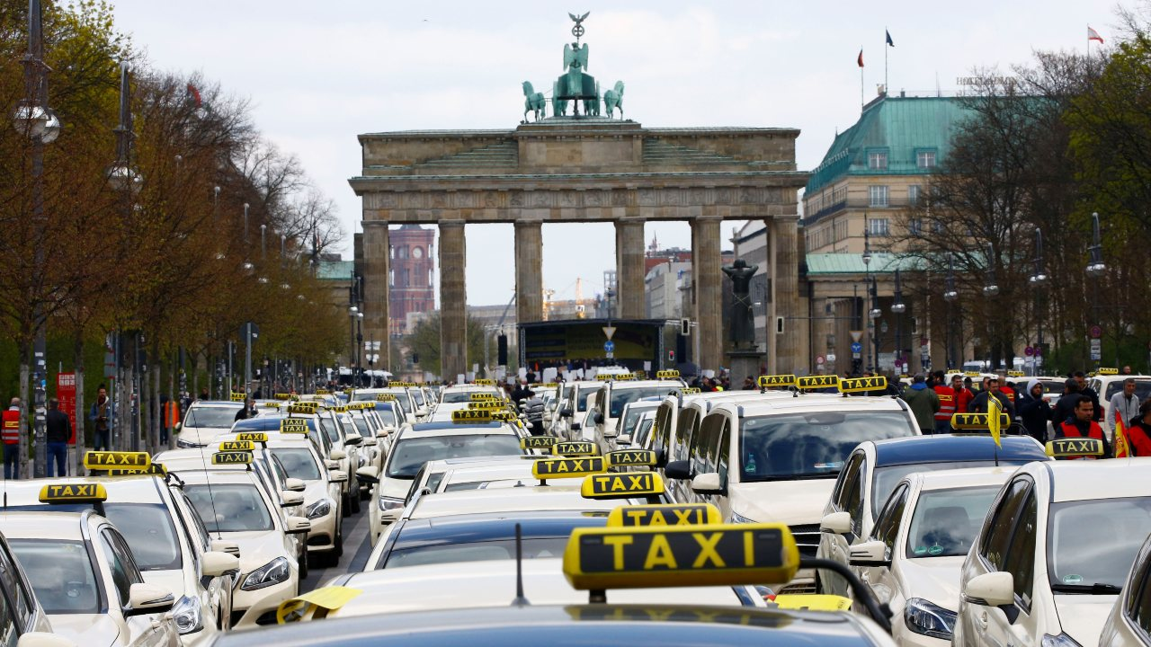 The German streets see taxis plying at 13.80 euros for a 5 km distance. (Image: Reuters)