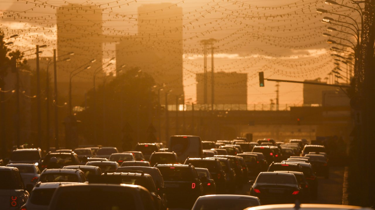 The Russian capital, Moscow, witnessed a congestion level of 56 percent in 2018 with a marginal decrease of 1 percent since 2017. However, the average daily congestion in the city on the worst day could be as high as 125 percent, hence proving to be a menace to the general public. (Image: Reuters)