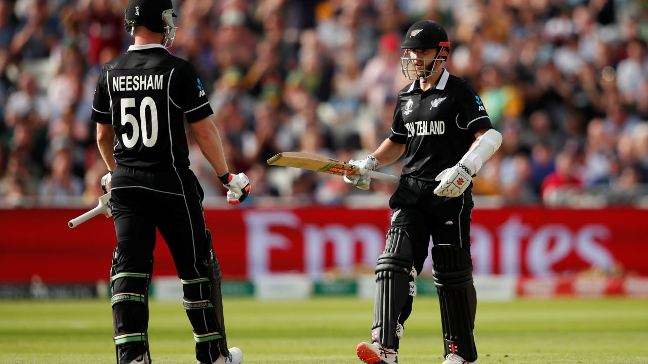 Kane Williamson then put up a 57-run partnership with James Neesham. During the course of the partnership, Williamson completed his 50. (Image: Reuters)