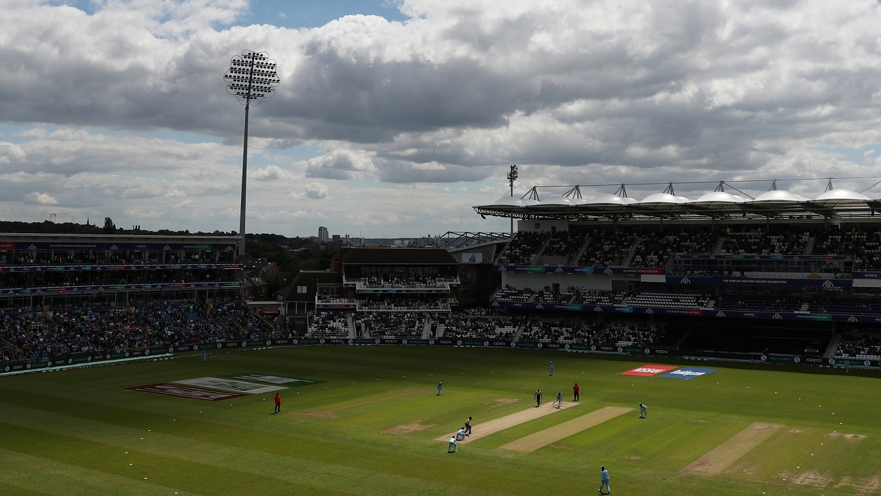 England and Sri Lanka faced-off for match 27 of the ICC Cricket World Cup at Headingley, Leeds. England came into this game with an unchanged squad while Sri Lanka made two changes. Avishka Fernando and Jeevan Medis replaced Lahiru Thirimanne and Milinda Siriwardana. Sri Lanka won the Toss and opted to bat. (Image: Reuters)