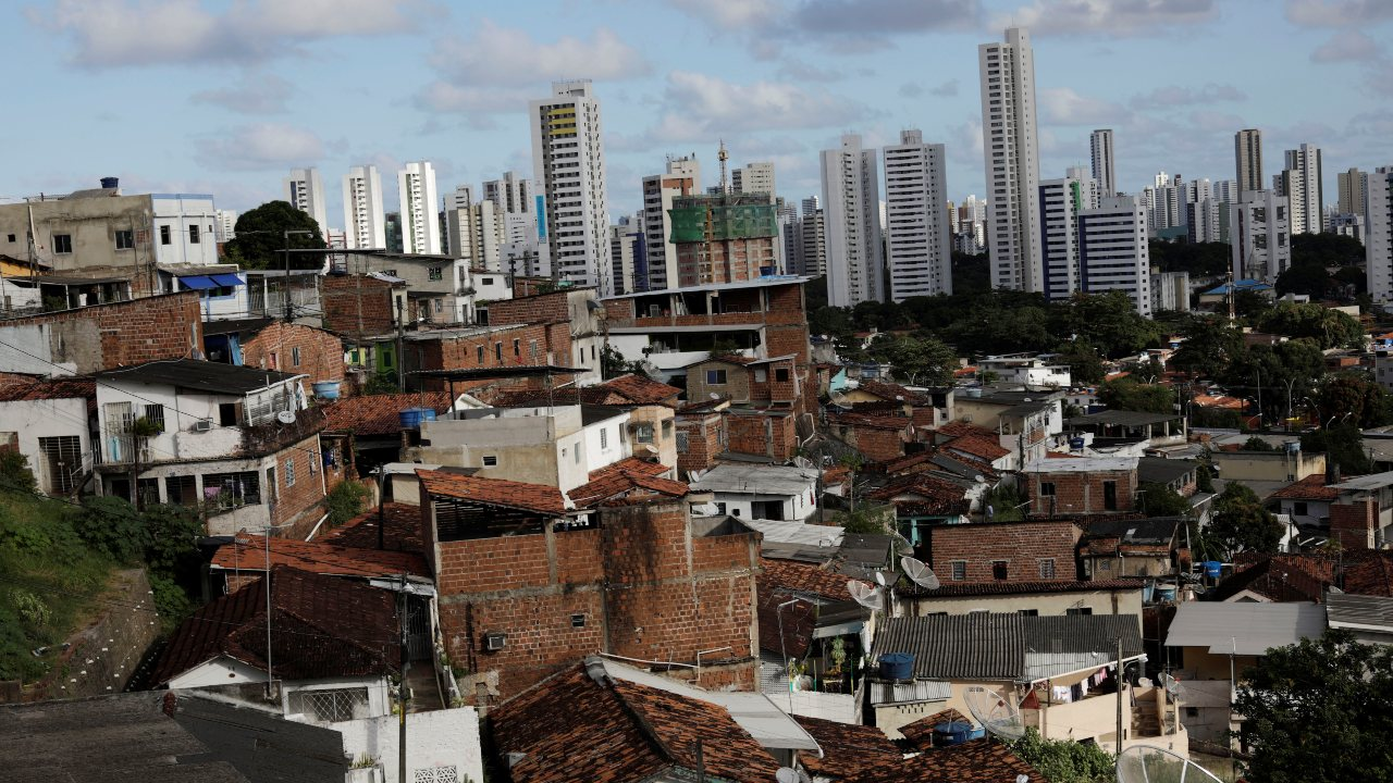 Recife, a Brazilian city with a population of around 15 lakh, is the tenth most congested city in the world, as per the 'Traffic-Index 2018' study. It experiences higher than normal traffic between 7 a.m. to 8 a.m. in the morning and between 5 p.m. to 6 p.m. in the evening. (Image: Reuters)